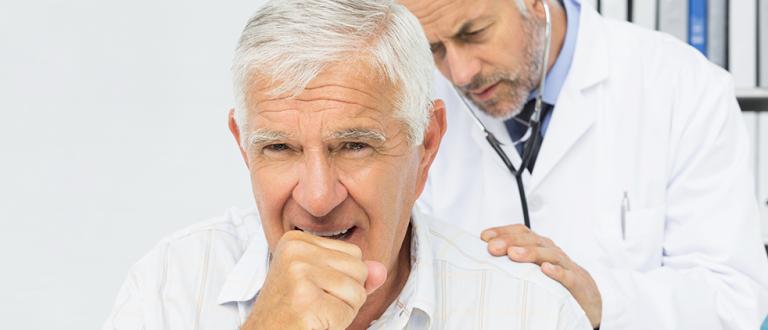 Como prevenir o câncer de garganta na terceira idade? (Foto: internet)