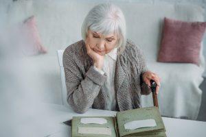Cuidados para usar ar condicionado em casas de idosos (Foto: Depositphotos_203505562_s-2019)
