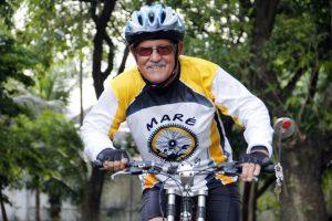 Ciclismo é uma atividade recomendável para a terceira idade? (Foto: internet)