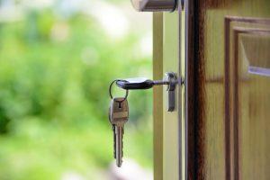 Como as portas deslizantes do pátio estão mudando nossas vidas (Foto de PhotoMIX Company no Pexels)