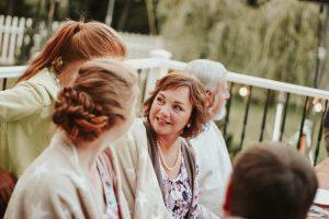 Os 5 principais benefícios dos implantes dentais para idosos (Foto de Maryia Plashchynskaya no Pexels)